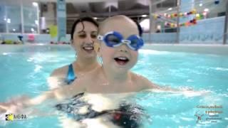 Петя - будущий чемпион по плаванию 03 04  2015г(Видеосъемка в детском бассейне. Подводная видеосъемка. Маленькие плавцы. Грудничковое и раннее плавание...., 2015-10-27T18:07:30.000Z)