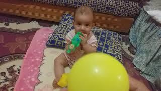 يوميات أريج طفلة مدللة : تعليم ألوان مع أريج اصفر+وردي باللغة العربية و انجليزية