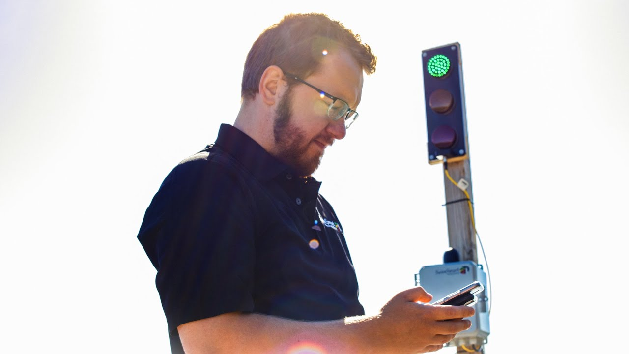 Preview image for Husky-made Warning Light System Makes Great Lakes Beaches Safer video