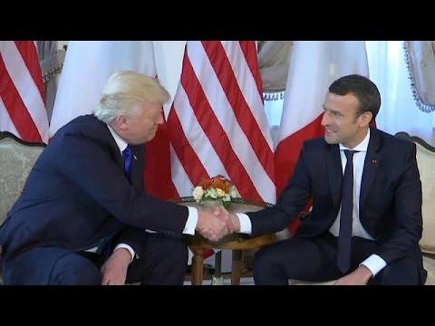 Trump Macron'un bileğini bükemedi
