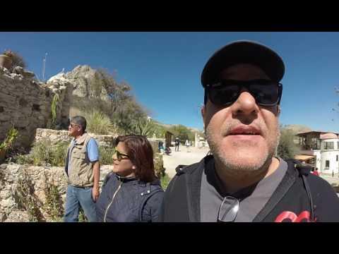 Vick Herrera Visitando la Peña de Bernal Querétaro