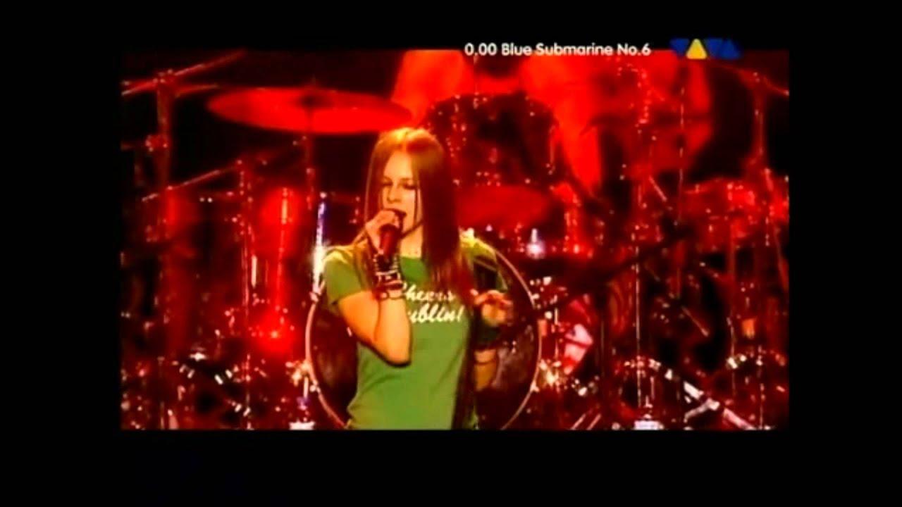 Avril Lavigne - Live in Dublin Ireland 2003 - YouTube
