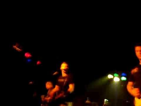 brantley-gilbert-live-it-up-annaroo