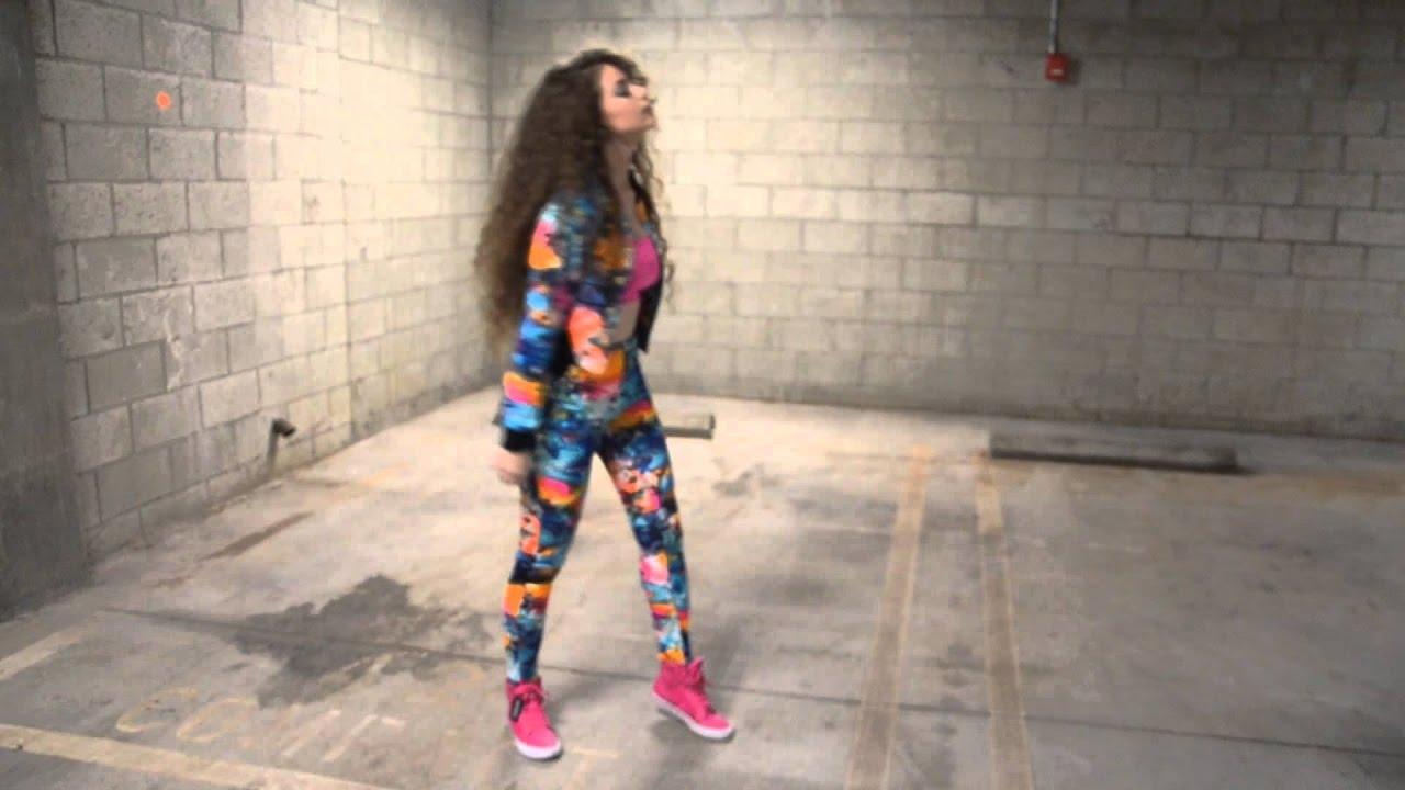 Dancing Girl Gif Wallpaper Barbie Girl Trap Remix Dytto Youtube