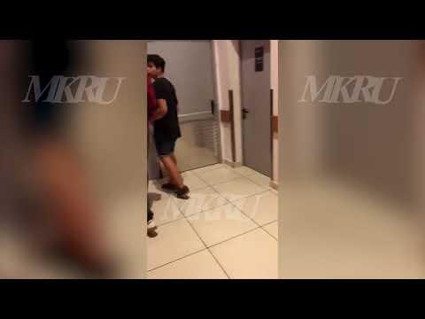 Охранники схватили и утащили в подсобку ТЦ девушку-инвалида