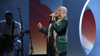 Kesha Impresses With 39 Here Comes The Change 39