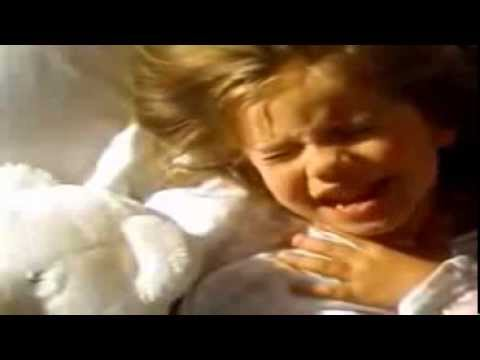 Anna Chlumsky Comercial Chloraseptic
