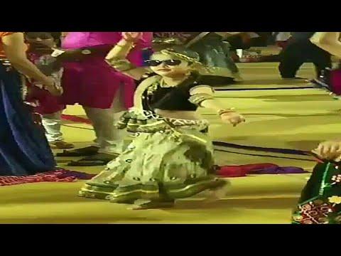 Char char bangdi wali gadi layi du tane!! Cutest girl dance!!👌👌👌