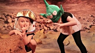 SARDINES IN SPACE | HIDE AND SEEK!!