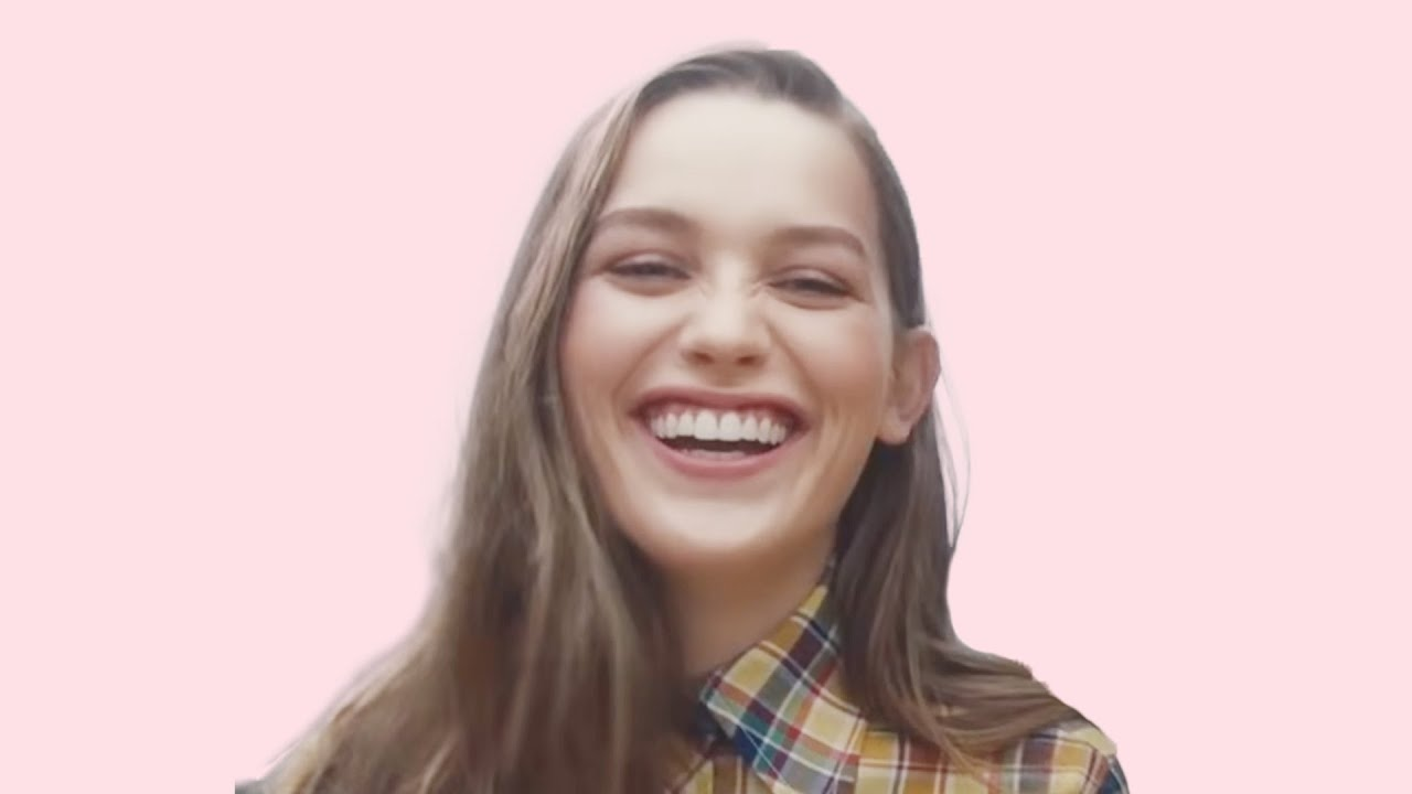 Love Quinn Actress Victoria Pedretti Net Worth How Much Did She Make From Netflix You Season 2 Idol Persona