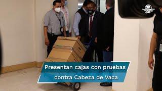 FGR presenta 6 cajas de expedientes para probar desafuero contra García Cabeza de Vaca