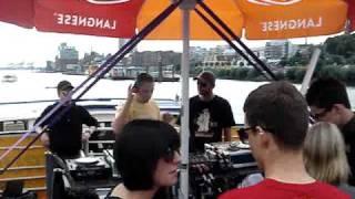 Hudi & Oliver Ton @ MS Classic Queen / Hamburg 14.08.2010 / Die Sonne scheint uns auf das Boot #1