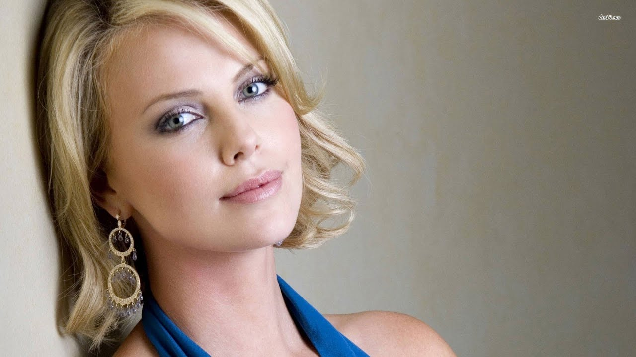 Charlize Theron Hairstyles - YouTube