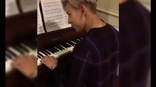 GOT7- BAMBAM Playing Piano -  [ TAEYANG] Wedding Dress Intro