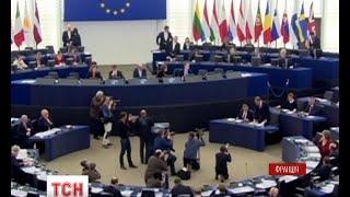 видео Нові правила видачі та продовження дозволів на працевлаштування іноземців в Україні