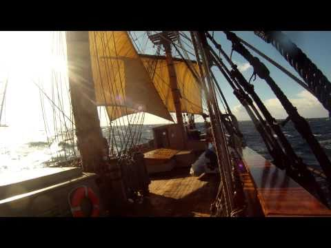 Sailing HMS Bounty