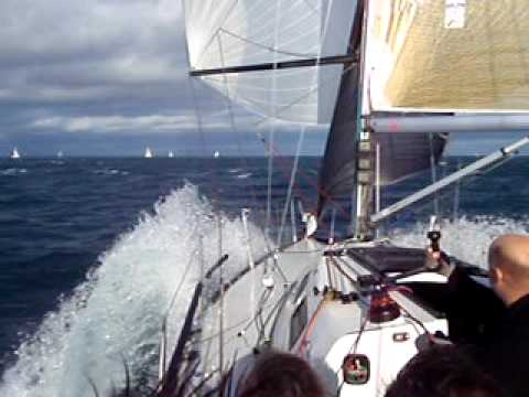 X99 Xcellent Sailing Downwind hitting 17.9 knots.
