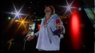 Guns N' Roses - Catcher In The Rye live in Osaka, Japan 2009 (screenshot)