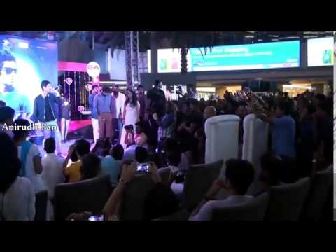 Aakko - Enakenna Yaarum Illaye  Anirudh Live