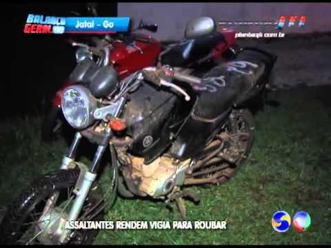 Assaltantes invadem pátio da Detran em Jataí e roubam moto