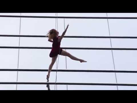 WATZ UP Dallas | Vlog 8 | Banda loop dancing on downtown  building