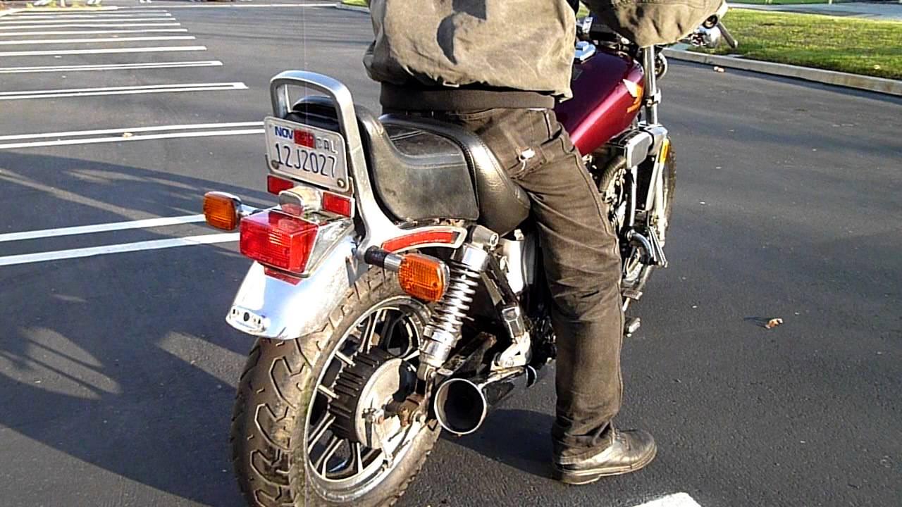 1984 Honda VF 700 C Magna - YouTube