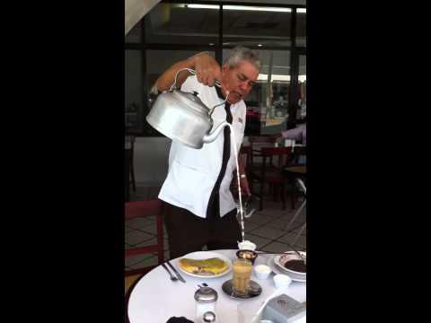 El Lechero en Café Parroquia Veracruz