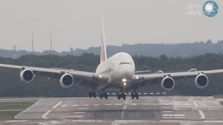 هبوط أضخم طائرة في العالم اضطراريا بسبب الرياح الجنوبية