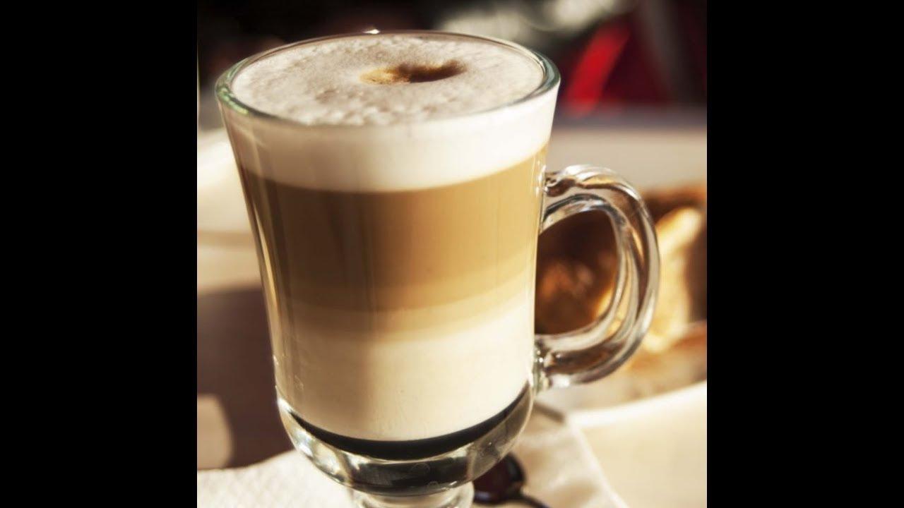 طريقة عمل كوفي لاتيه مثل ستاربكس How To Make Coffee Latte Such As Starbucks How To Make Coffee Coffee Latte Christmas Napkins