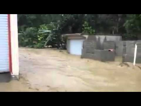 Video muestra inundaciones por crecida de río en Gaspar Hernández