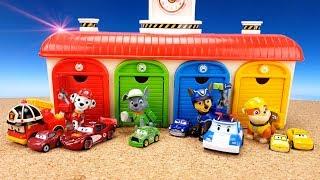 СЮРПРИЗЫ с МАШИНКАМИ В Гараже для маленьких автобусов TOYO. Игрушки Щенячий патруль Учим ЦВЕТ Colors