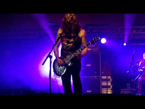 baroness---'chlorine-and-wine'---live-@-leeds-festival---30/08/2015