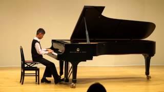 今年のピアノ発表会発表会湯山昭作曲バウムクーヘンに挑戦しました。