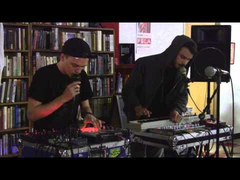 ALien House  Record Store Day @ Mojo Books and Music Tampa  2013