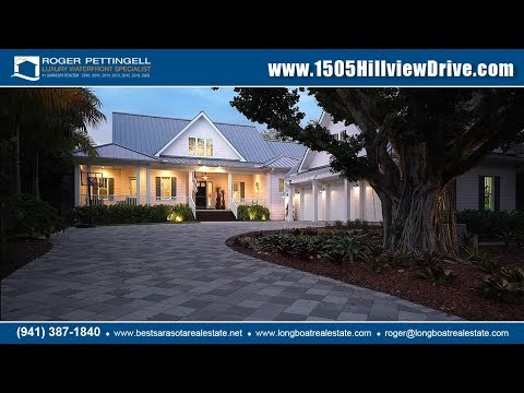 Waterfront estate built to the highest standards in Harbor Acres, Sarasota