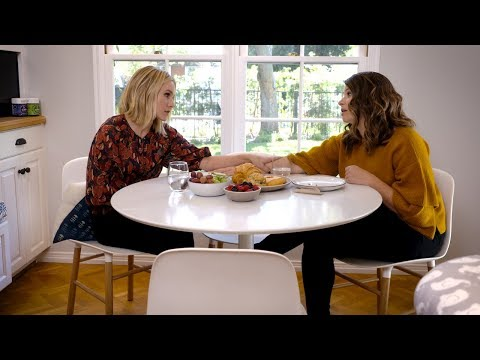 'Momsplaining' with Kristen Bell BONUS Clip: #Postpartum with Katie Lowes