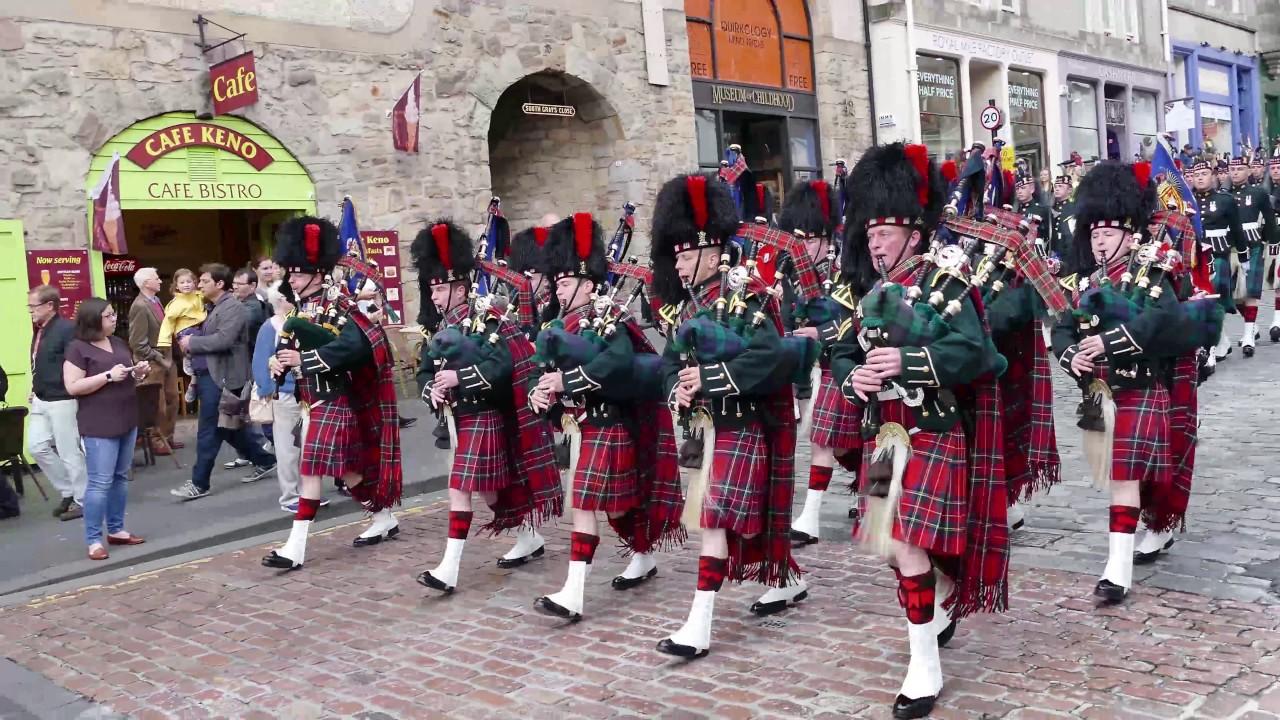 The Black Watch P&D parade Edinburgh's Royal ... - YouTube