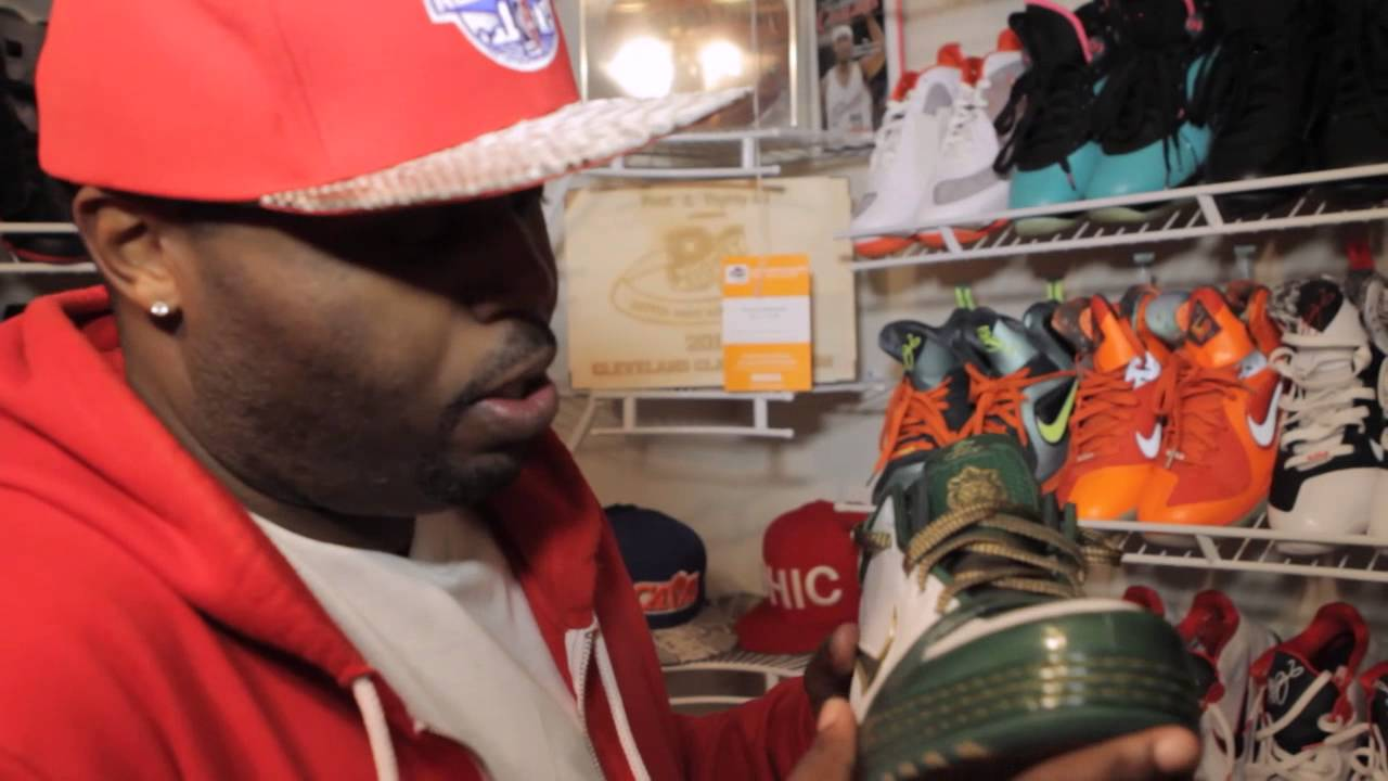 314e1538813198 The Cleveland Cav s DJ Steph Floss Shows Off His Ridiculous Sneaker  Collection