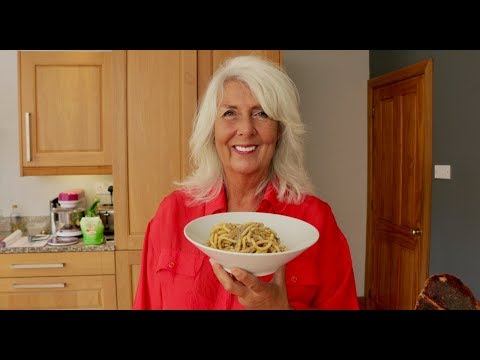 Pasta Grannies discover bigoli, a handmade spaghetti style pasta!