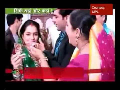 Gopi (Jiya Manek) celebrates her birthday