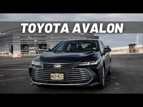 Toyota Avalon Hybrid - Luxury Toyota?   REVIEW
