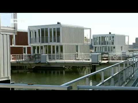wohnen auf dem wasser schwimmende h user in amsterdam euromaxx youtube. Black Bedroom Furniture Sets. Home Design Ideas