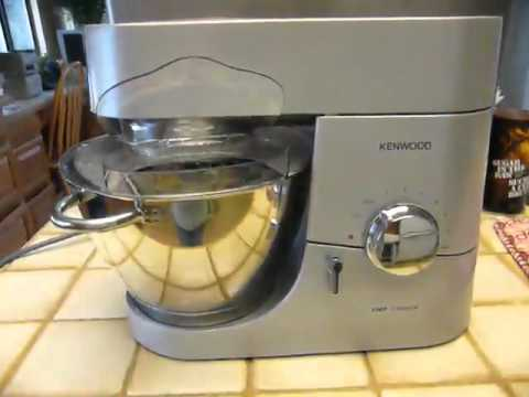 Test & Review Kenwood KMC010 Chef - YouTube