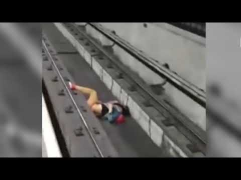 Maquinista logra parar el tren y salvar a una persona caída en las vías