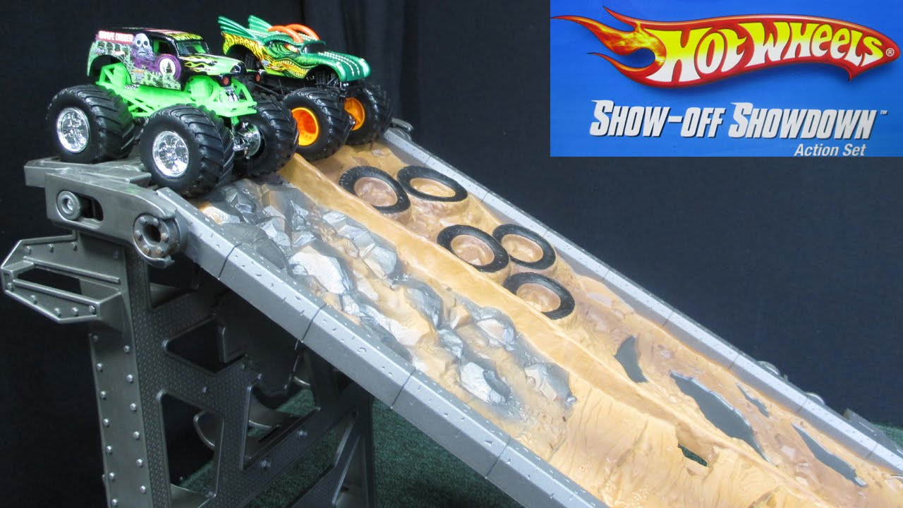 Hot Wheels Monster Jam Show Off Showdown Action Set Lane