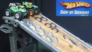 Hot Wheels Monster Jam Show-Off Showdown Action Set 2-Lane Downhill Racing