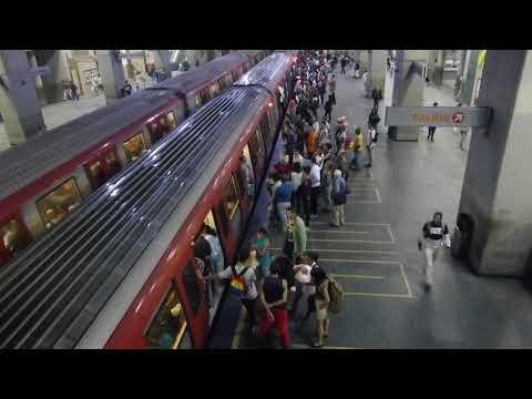 No action, ambient video: Caracas Metro, Plaza Venezuela station, Venezuela