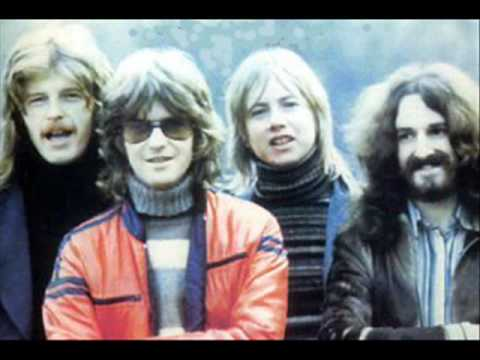 Barclay James Harvest - Play to the World