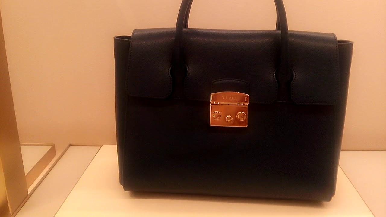 Furla из новой коллекции сезона весна лето 2018 купить в. Серая кожаная сумка-рюкзак с одним отделом на молнии furla excelsa. 33 500 rub.