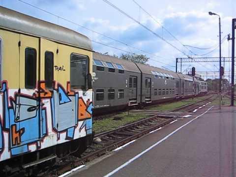 poland pkp passenger trains at krotoszyn station su45. Black Bedroom Furniture Sets. Home Design Ideas